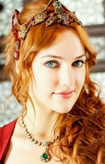 Huram Sultan 10 Most Beautiful Women Most Beautiful Women Beautiful Muslim Women
