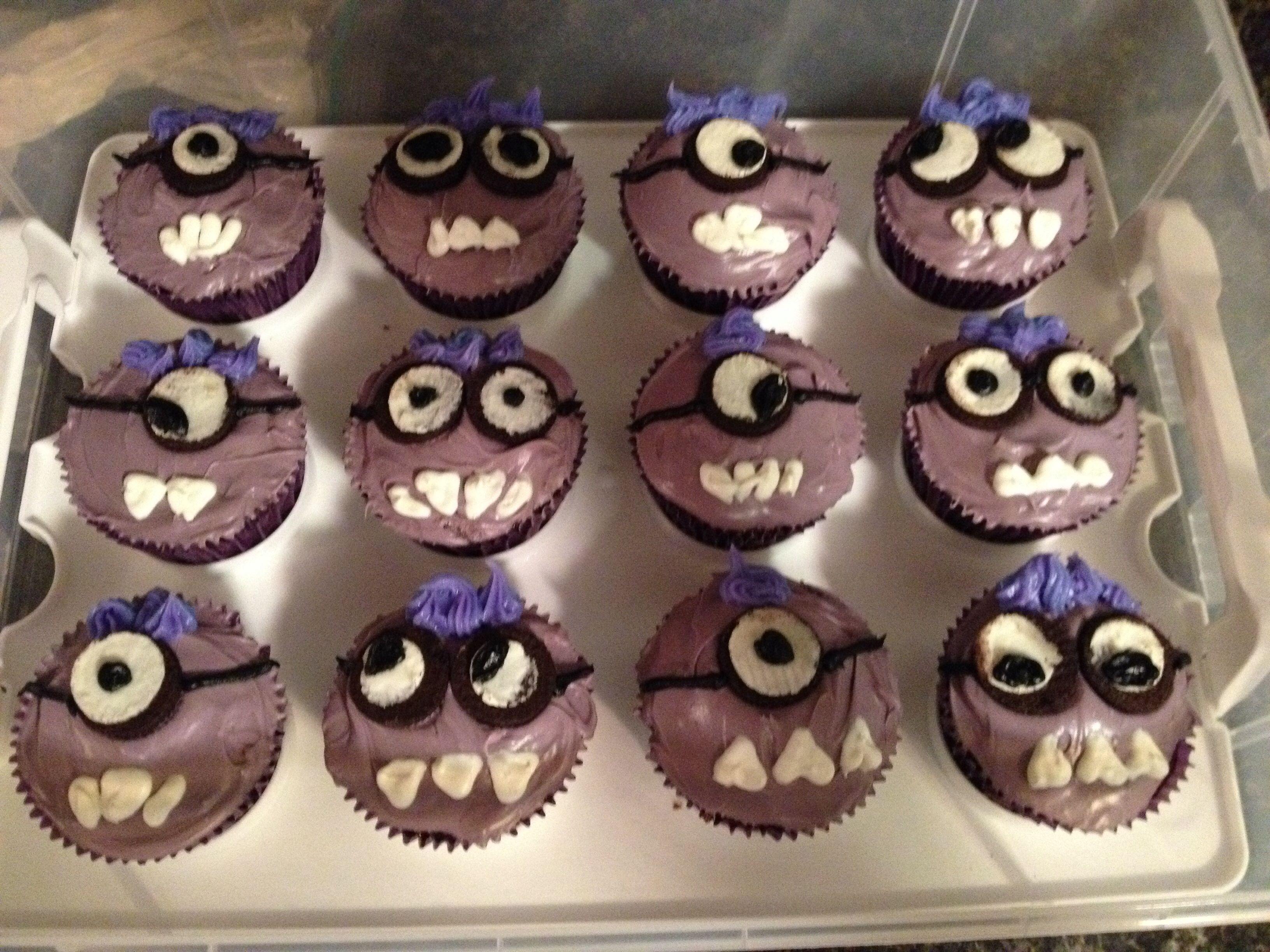 Purple minion cupcakes with mini oreo eyes. No fondant! | Kids ...