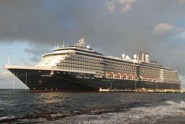 Eerste bezoek aan Curaçao  22 oktober 2015 bij het aanmeren aan de Mega pier te Willemstad  http://koopvaardij.blogspot.nl/2015/10/eerste-bezoek-aan-curacao.html