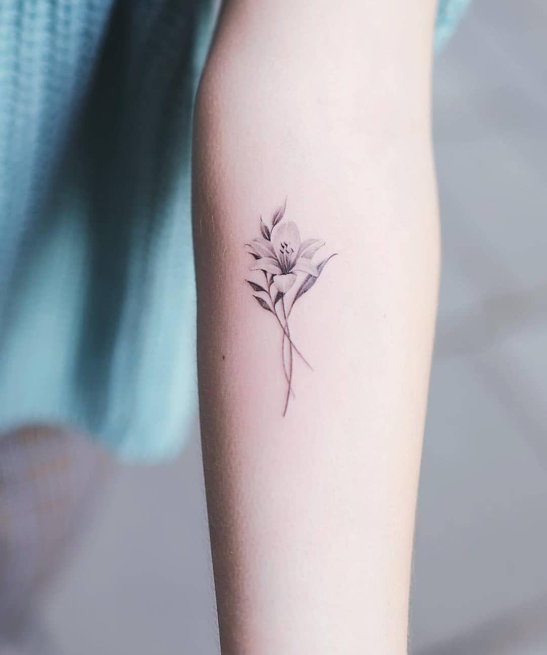 Tattoo Inkspiration On Instagram Nandotattooer Jasmine Tattoo Jasmine Flower Tattoos Small Lily Tattoo