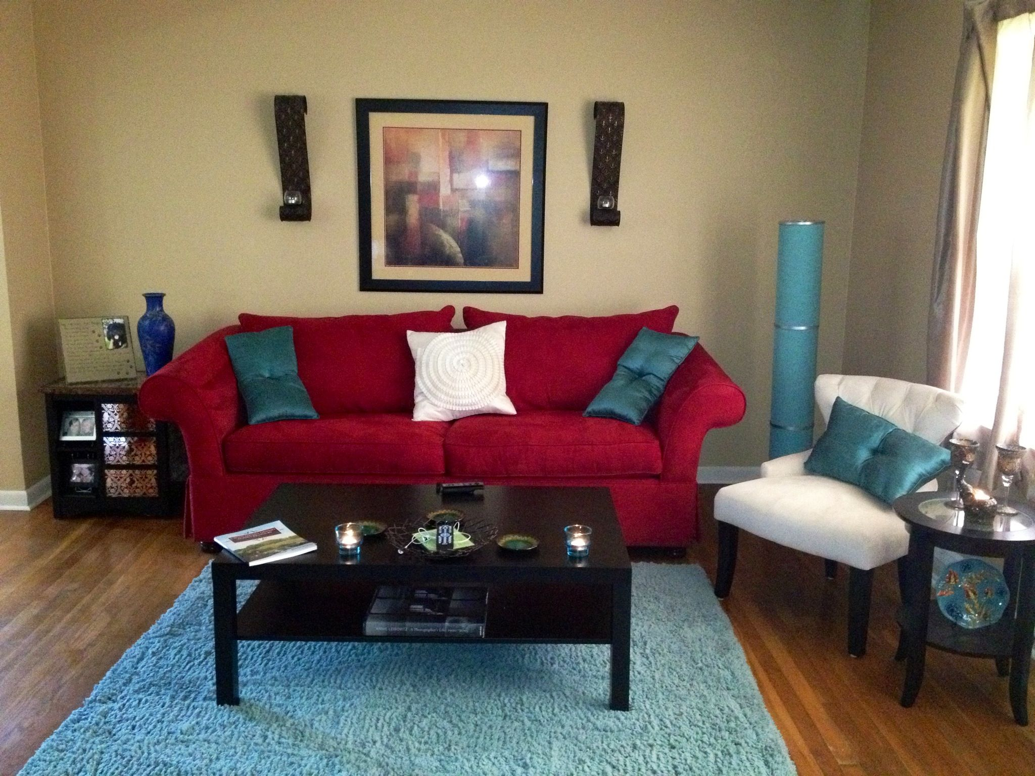 My living room red aqua and ivory for Cream and red living room designs