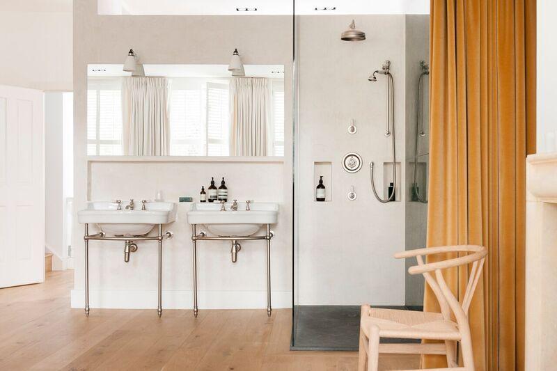 dropbox  tvhlondon068  yellow bathroom walls