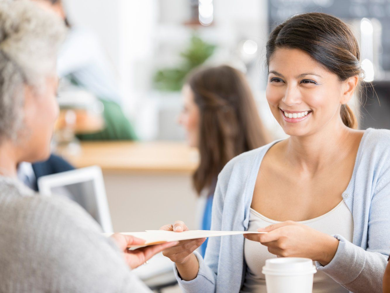 Impress a Potential Employer In an Interview With These 3