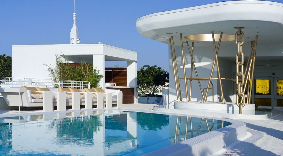 Dream South Beach Miami Florida A Hip Crowd Gathers At High Bar The See And Be Seen Rooftop Pool Area All Hours