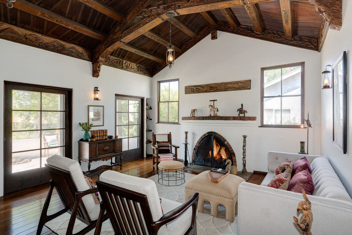 1929 Spanish Style Home In Pasadena Is A Stunning Work Of Art For 899k Spanish Style Homes Spanish Style Decor Spanish Style