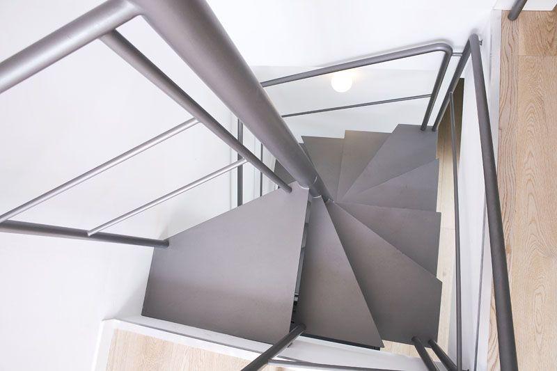 Scala A Chiocciola Quadrata In Ferro.Scala A Chiocciola Quadrata In Ferro Monolitica Light