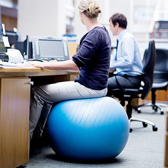 Pleasant Does An Exercise Ball Chair Actually Give You Any Health Home Interior And Landscaping Ponolsignezvosmurscom