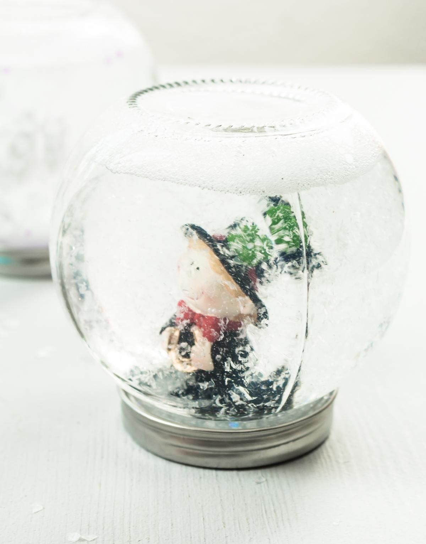 Weihnachtsdeko Aquarium.Diy Schneekugeln Ohne Glycerin Basteln Günstige Geschenkidee