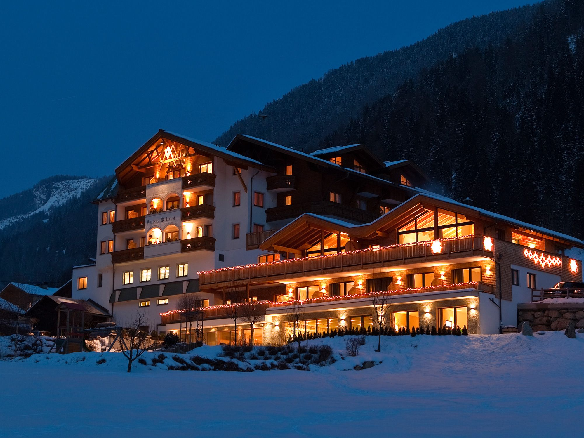 Hotel weisses lamm designhotel see im tal paznaun for Design hotels alps