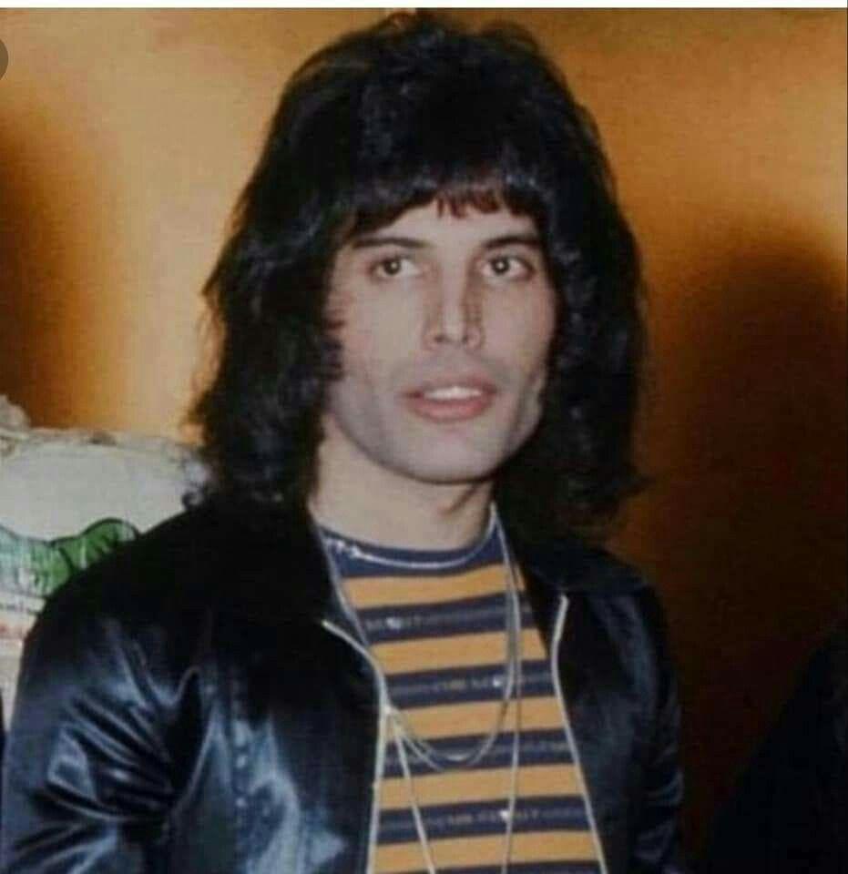 Freddie Mercury So Young Queen Freddie Mercury Freddie Mercury Freddie Mercury Young