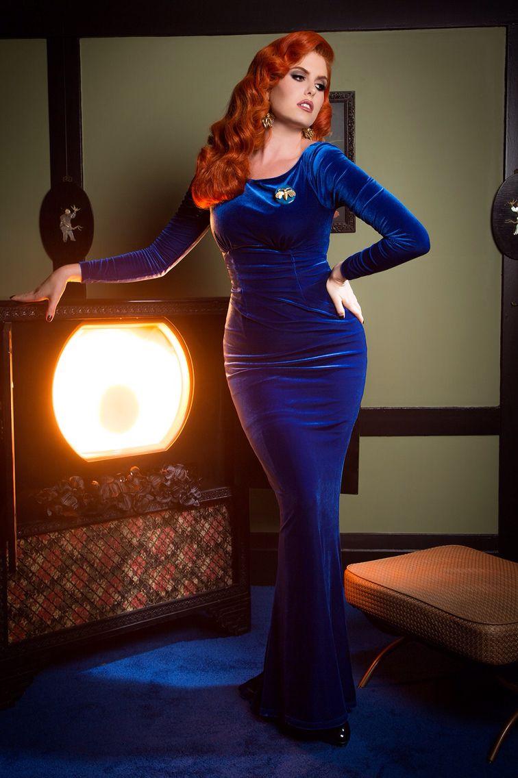 Laura byrnes california beatrix gown in royal blue velvet heroines