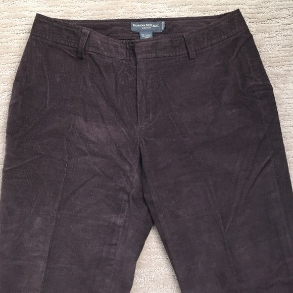 """BANANA REPUBLIC Martin corduroy pants Chocolate brown stretch corduroy pants in the Martin fit. Flat front with zipper, belt loops and two pockets on the back. 98% cotton 2% spandex inseam is 30"""", bottom leg opening is 9"""". Has little a worn mark below the knee. But the rest of the pants are in great condition.  ( WINTER ) 20% off Today Banana Republic Pants Boot Cut & Flare"""