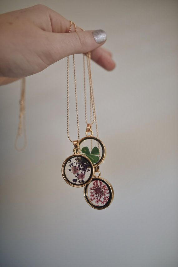 Dried Flowers Pendant Necklace – Nature Jewelry Womens Jewellery Mothers Day Gifts Real Flowers Boho Bohemian Clover Lucky Purple Pink