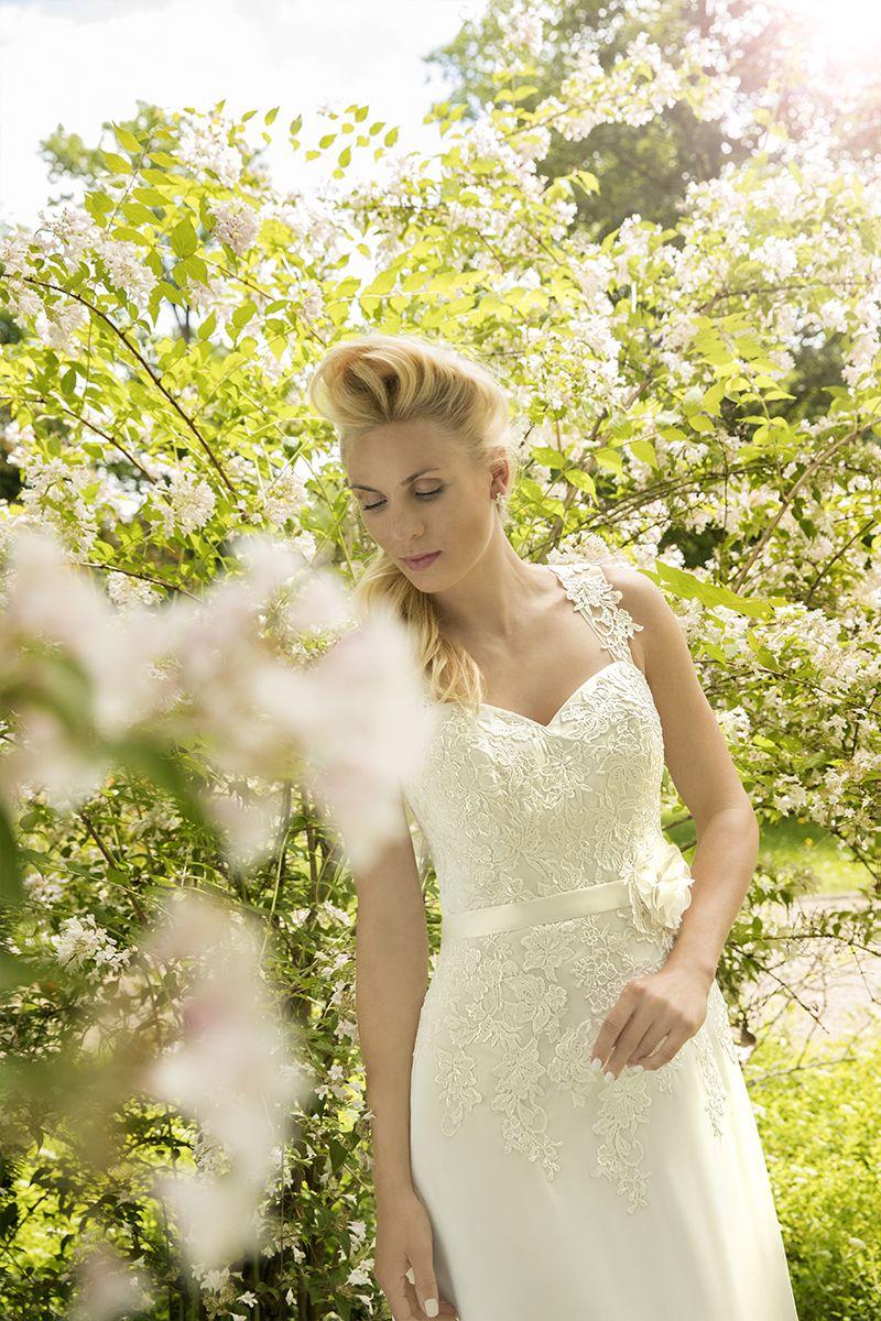 Atemberaubend Cache Hochzeitskleid Bilder - Hochzeit Kleid Stile ...