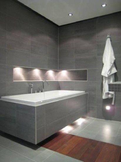 Mix aus Bodenfliese und Parkett im Badezimmer bath Pinterest