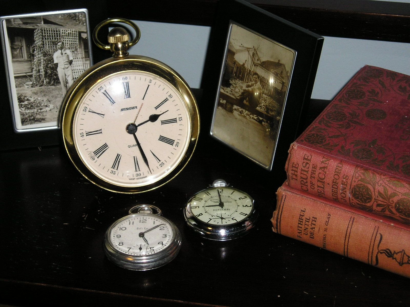 Creative clock background  Clocks and Pocket watches  Decorating My Home  Pinterest  Pocket
