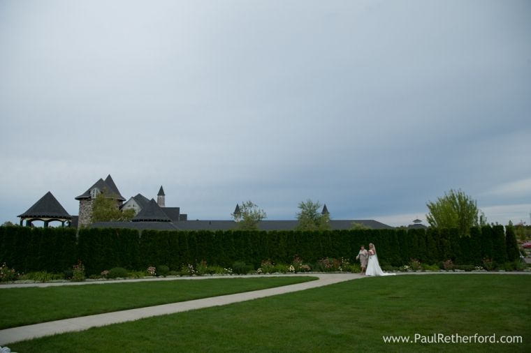 Castle Farms Knights Castle Courtyard Wedding Photography Charlevoix Michigan Lisa + Eric photo #castlefarms #nomiweddings #northernmichiganwedding #weddingvenue #charlevoix #weddingplanning #weddinginspo