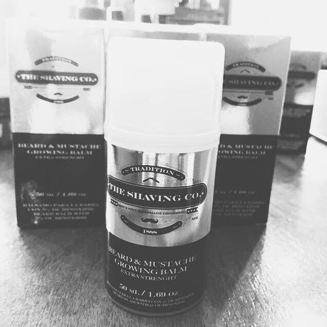 Ya manejamos el Bálsamo para engrosar el vello facial!  The Shaving Company supera a otros productos en calidad y efectividad ya que el bálsamo para el crecimiento de barba y bigote tiene 5% de Minoxidil además contiene Alantoina para evitar irrititaciones Argán para cuidar la piel y es base gel para mejor absorción.