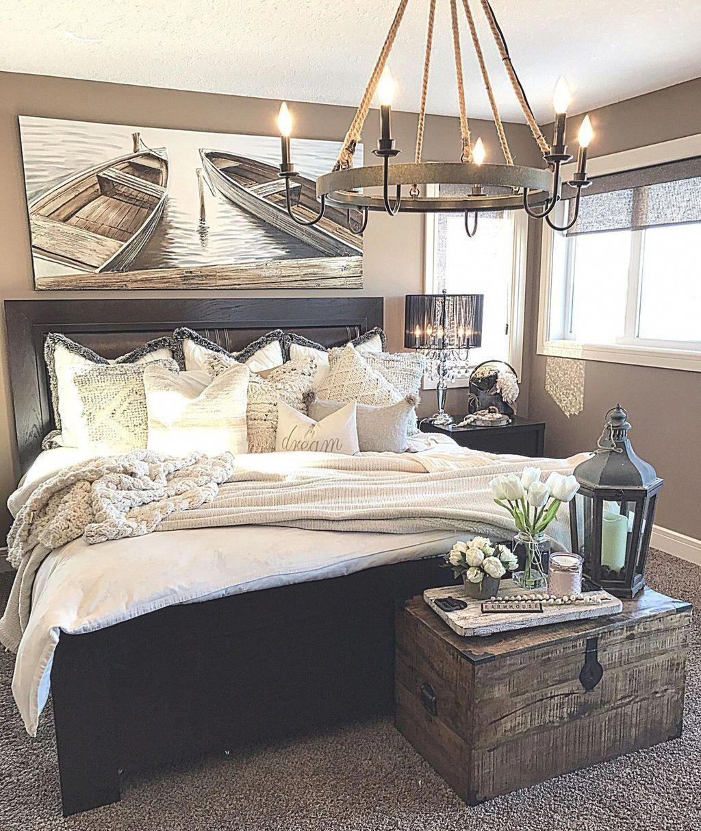 20 Enchanting Lake House Bedroom Design And Decor Ideas In 2020 Lakehouse Bedroom Home Bedroom Home Decor Bedroom