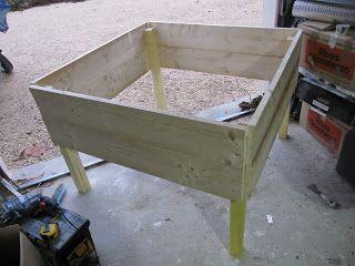 potager carr sur lev ou sur pilotis la construction simples potager carr potager et jardins. Black Bedroom Furniture Sets. Home Design Ideas
