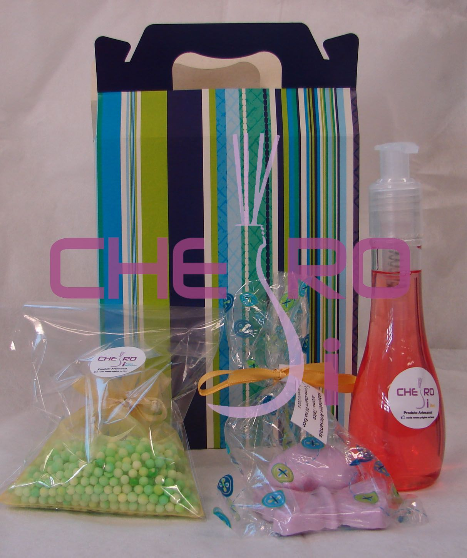 Sacolinha Cheiro Di! Esta aqui contém: *sabonete líquido *sachê de bolinhas coloridas *kit com borboleta e coração glicerinado