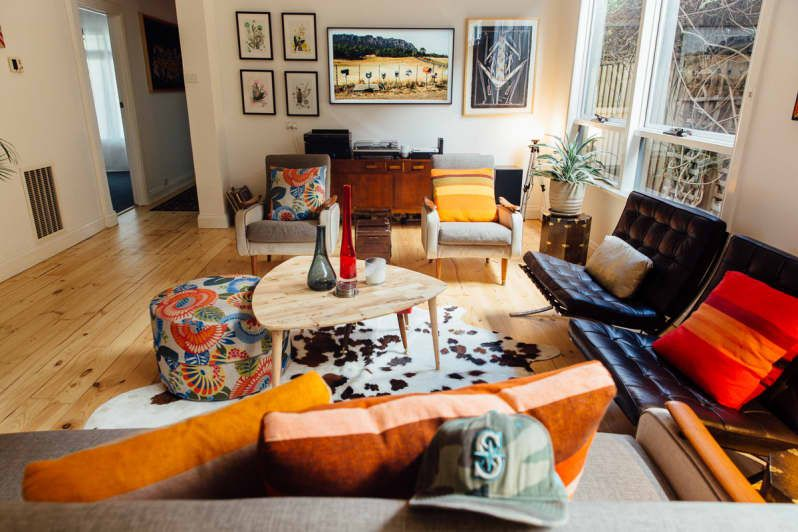A 1920s Australian House Is Full Of Secondhand Finds Fabulous Art And Cute Pets In 2020 Australian Homes Living Room Decor Interior Inspo