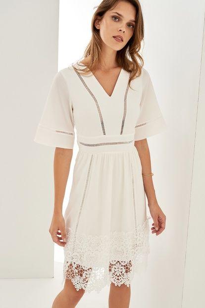 5229d836ab44e Beyaz Dantel Detaylı V Yaka Elbise | Guzel giyim | Plaj elbiseleri ...