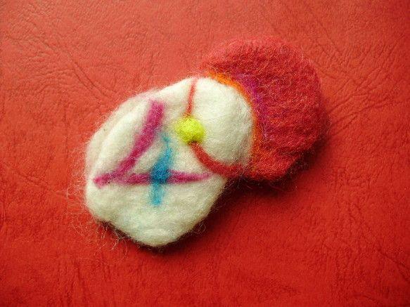 抽象画からのインスピレーションを受けて作りました羊毛(フェルト)のショウトピースにピンを付けて、ブローチに仕立ててみましたブローチのサイズ ヨコ・4・5cm&...|ハンドメイド、手作り、手仕事品の通販・販売・購入ならCreema。