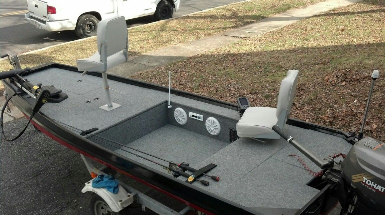 Custom jon boat with stereo system jon boats pinterest for Bass boat plans