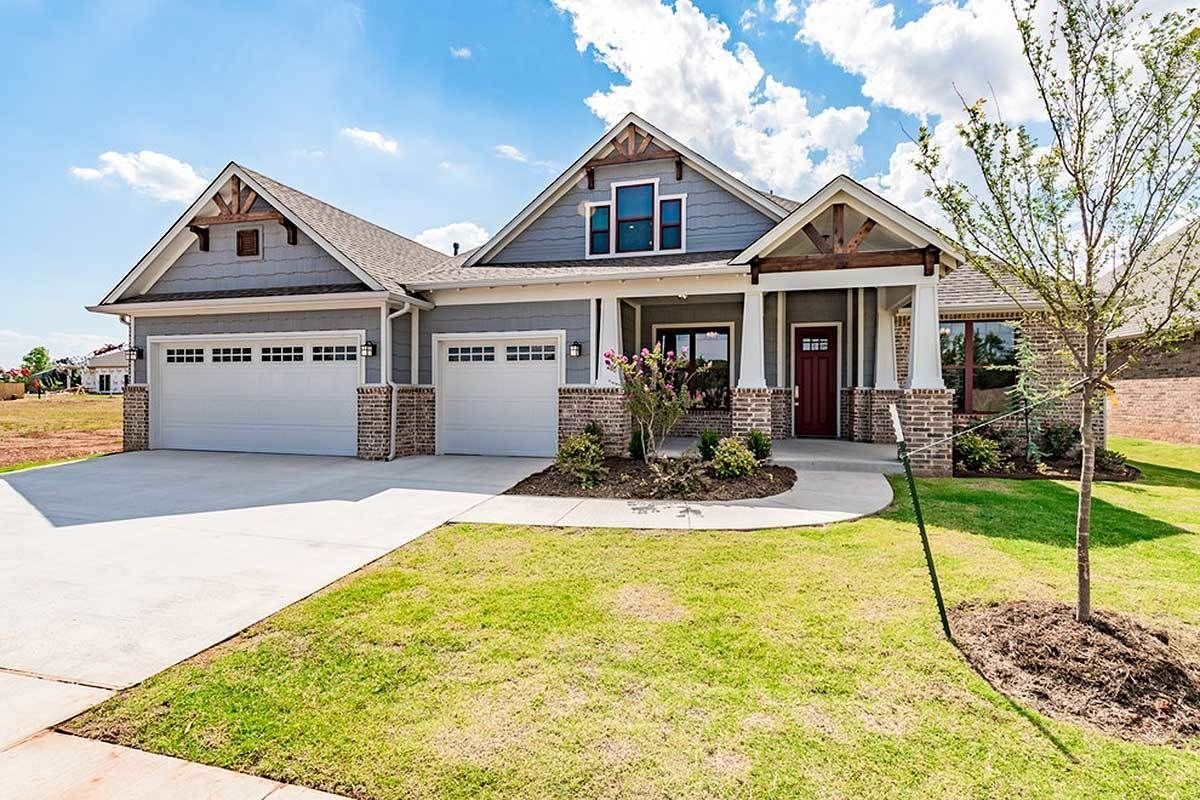 3 Bed Exclusive Craftsman House Plan