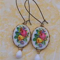 Vintage Floral Cameo Earrings.......