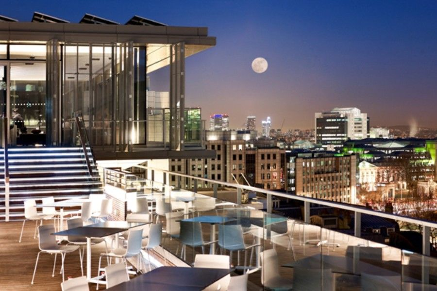 SkyLounge at Doubletree by Hilton Hotel London-Tower of ...