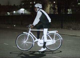 manugamboa80 | bike blog: Volvo inventa LifePaint, un spray para hacer visib...