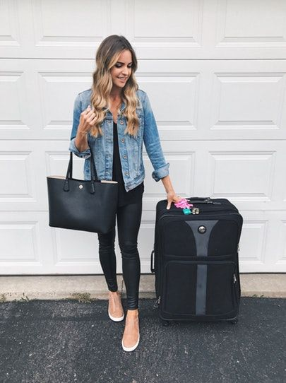 95e98ce1379 This Minnesota girl is off to NYC! ✈ Looking forward to experiencing  NYFW  with a bunch of my blogger friends! 🗽👯👯👯🥂 Can t wait to share all my  ...