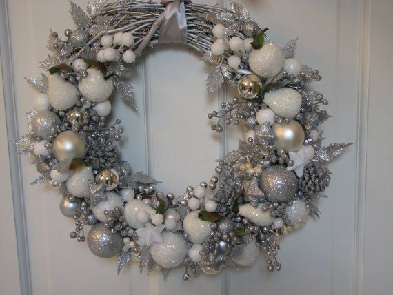 Glittery Large Silver And White Christmas Wreath Sparkling Wreath Holiday Wreath Ornam Silver Christmas Decorations Christmas Wreaths White Christmas Wreath
