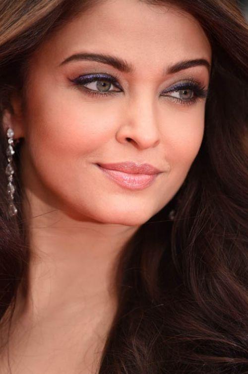 Learn how to re-create Aishwarya Rai's Cannes 2014 elegant