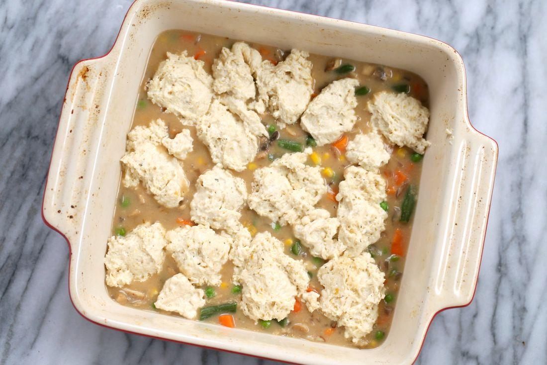 Vegan Pot Pie With Black Pepper Biscuits Vegan Richa Recipe In 2020 Vegan Pot Pies Stuffed Peppers Vegan Chicken Pot Pie
