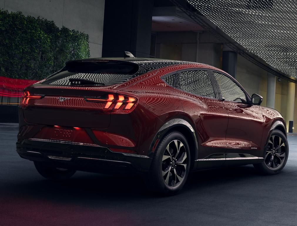 2021 Ford Mustang MachE 4 [North America] '2020 Мустанг