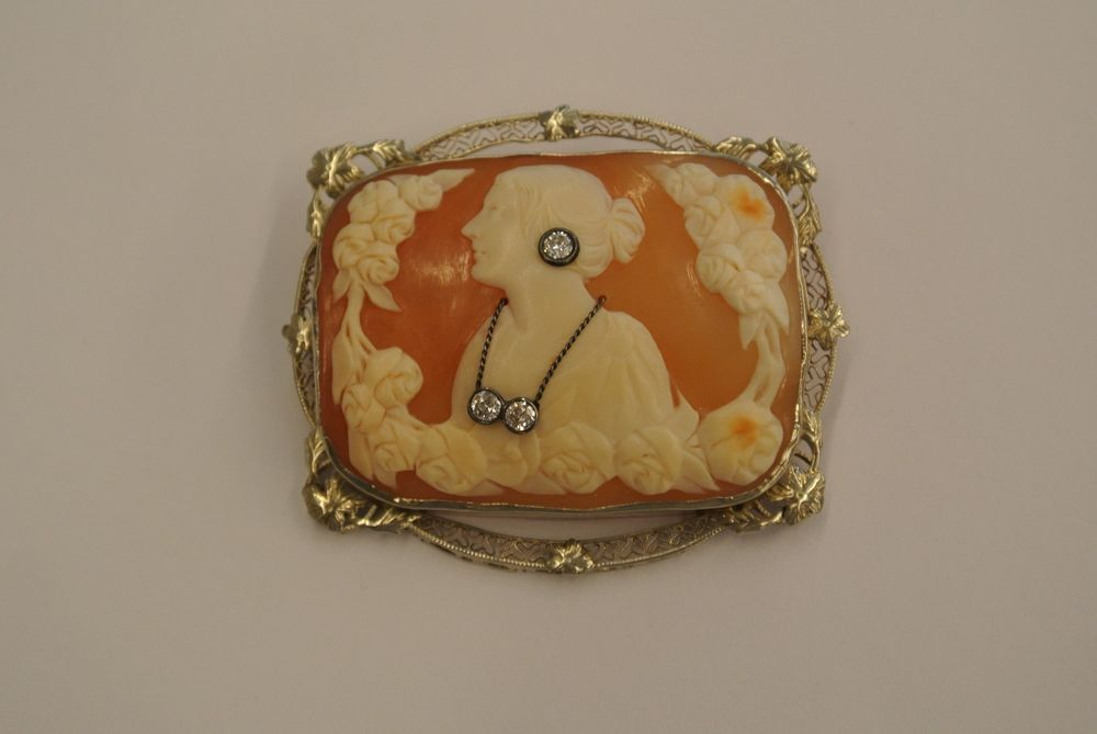 VINTAGE 14KT 585 YELLOW GOLD PIN / PENDANT RECTANGLE CAMEO WITH 3 ROUND DIAMONDS