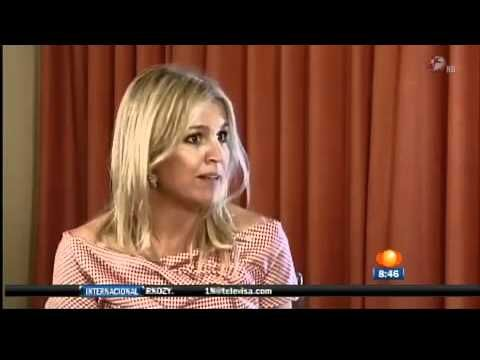 ▶ Princesa Máxima de Holanda Entrevista Loret de Mola Cumbre G20 México Los Cabos - YouTube