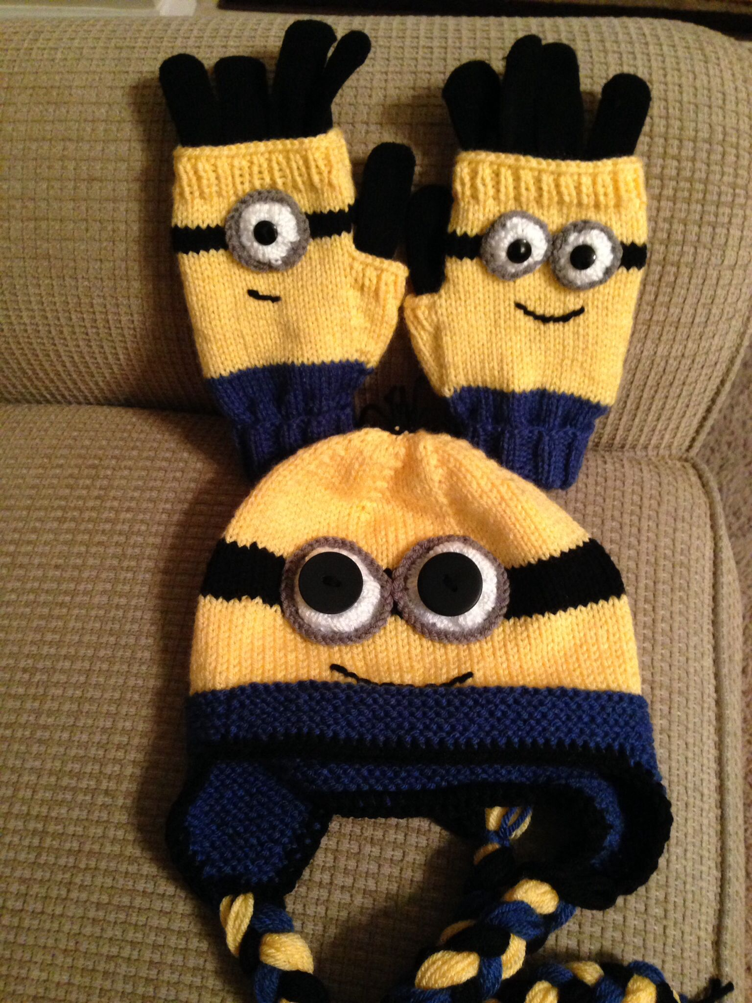 Minion hat and fingerless mitts with gloves inside for Melissa ...