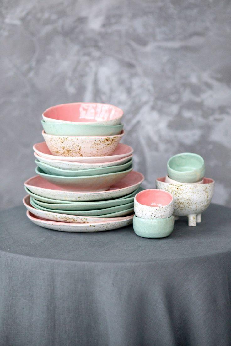 Simple Circle Ceramic Dish Set Consists Of Handmade Dinner Plate Mini Bowl Salad Bowl And Soup Bowl 4 Pieces For 1 Person Ceramic Dish Set Ceramic Dishes Ceramic Dinner Set