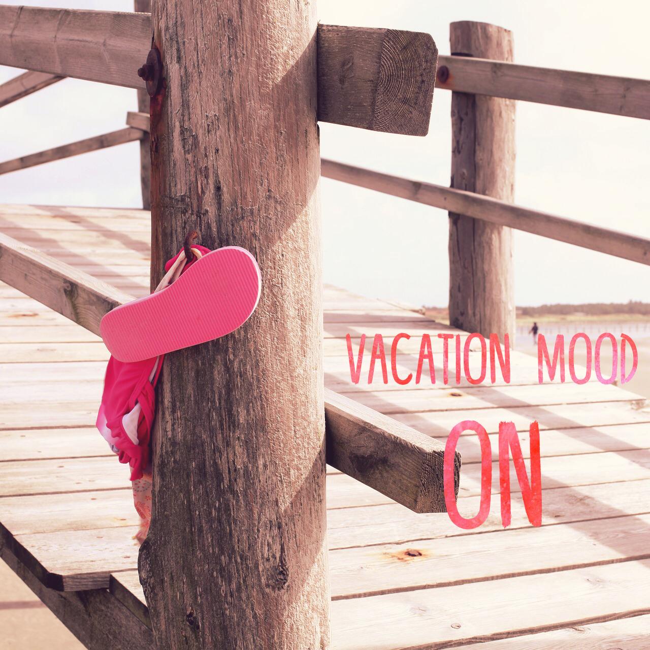 Let's enjoy the summer, 'cause girls just wanna have SUN! ☀️   NYTH is deze zomer te vinden aan de zee, in de zon, op zomerbars en aan het strand... ♀️⛱Geen tijd dus om blogjes te schrijven. We'll see you back in september!  ✦ Let's have some fun in the sun ✦  ✦ Vacation mood ON ✦    #blog #nyth #volgons #echteverhalen #realgirls #vacationmoodon #vacation #quotes