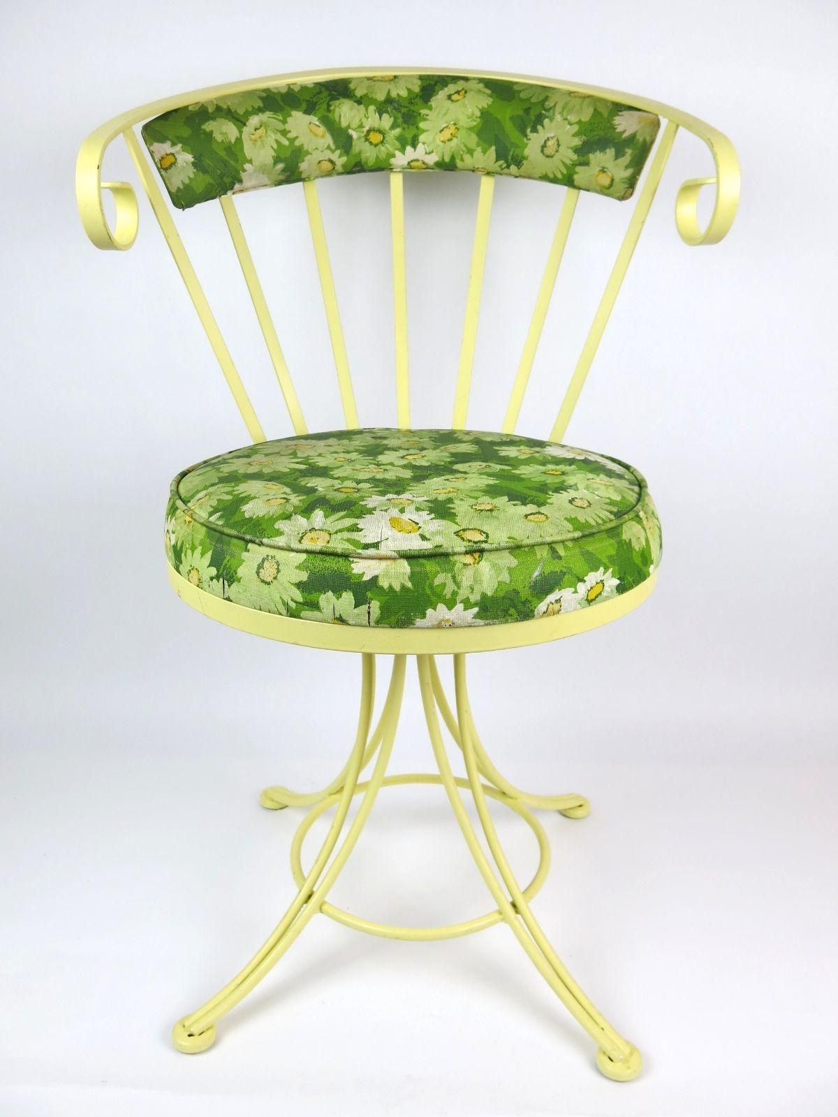 Pleasing Vintage Wrought Iron Garden Patio Swivel Chair Retro Country Bralicious Painted Fabric Chair Ideas Braliciousco
