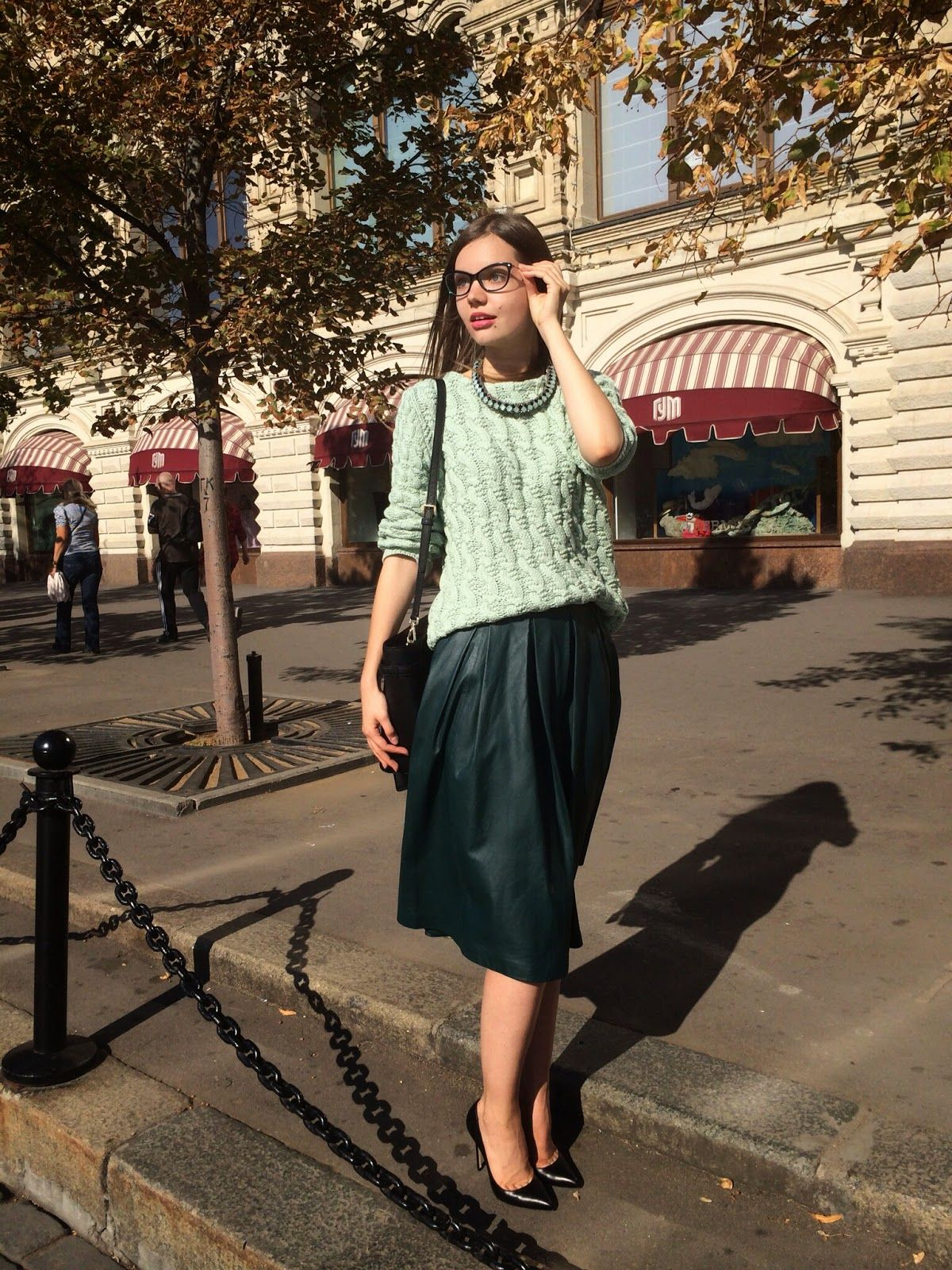 Face to face with style: Shades of green