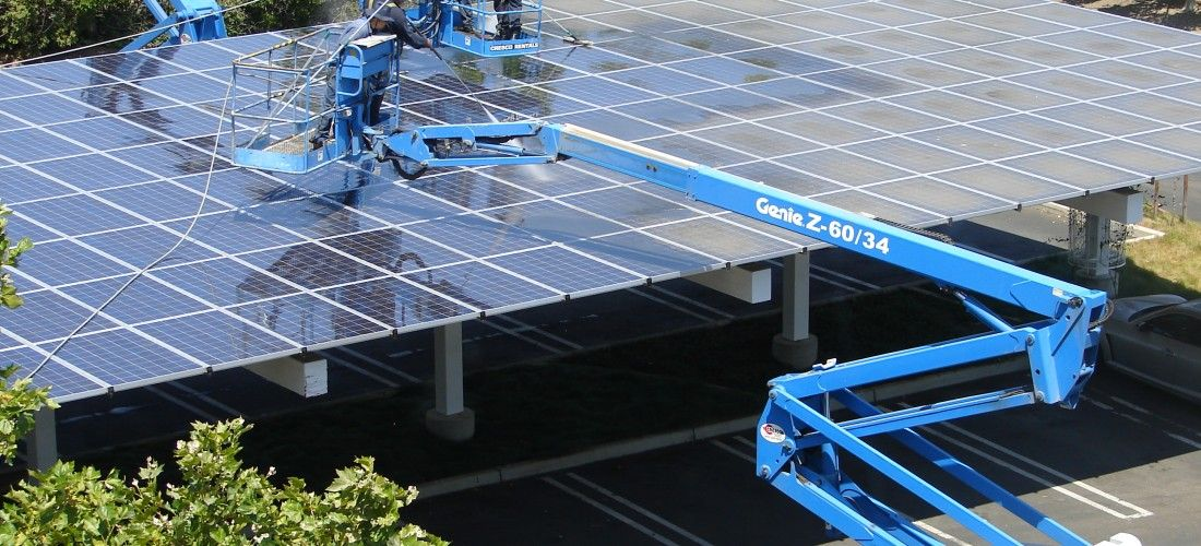 4 4 14 Clean Edge Solar Deployment Exceeds Wind In 2013 For The First Time Since Clean Edge Beg Buy Solar Panels Solar Panels For Home Used Solar Panels