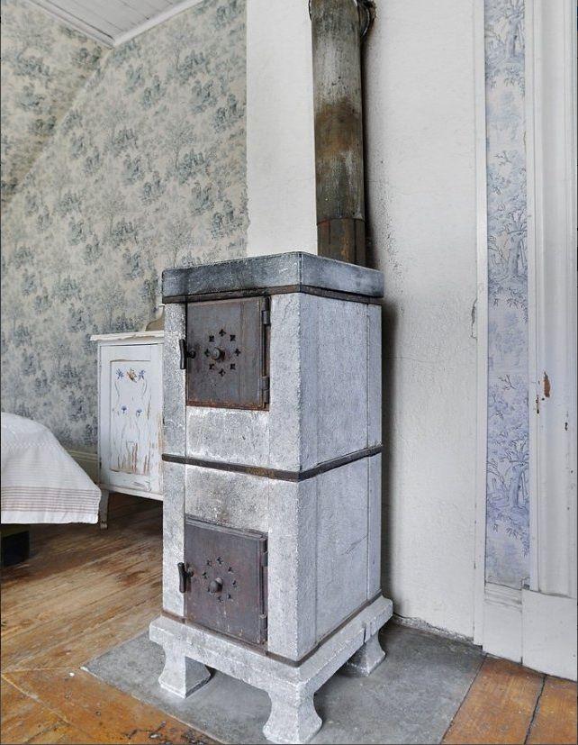 Old Swedish soapstone wood stove. - Old Swedish Soapstone Wood Stove. Classic And Modern