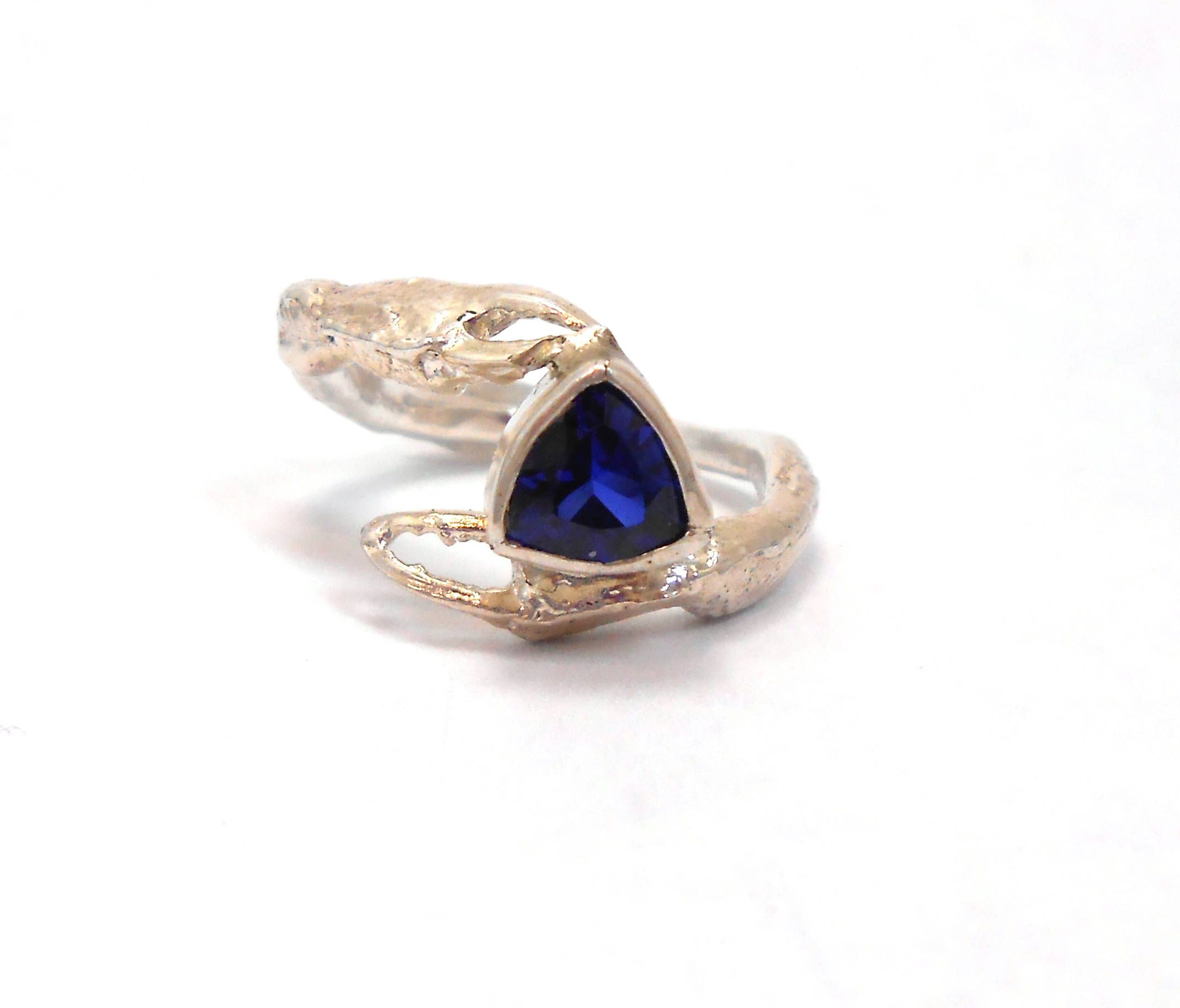 cluster sapphire silver hemswell ring diamond gold jewellery pale and antiques a blue