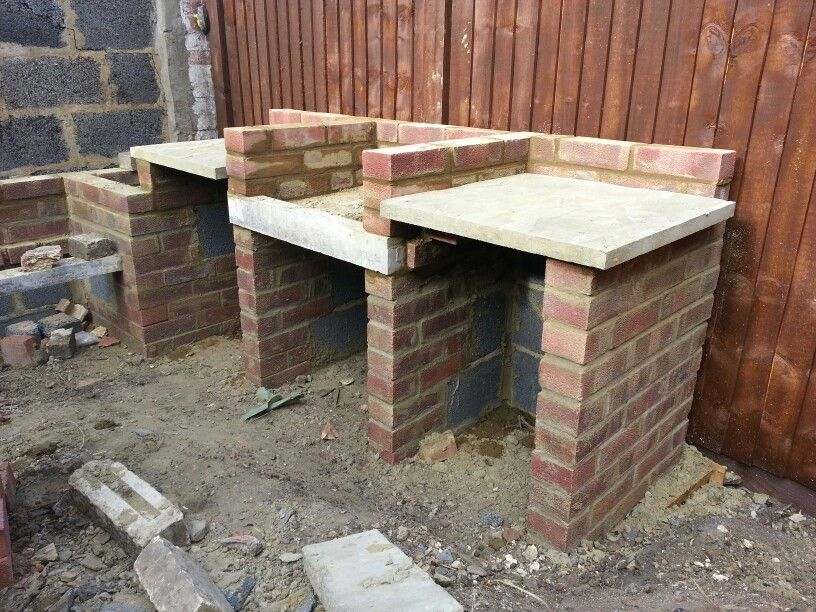 Bbq outdoor build south african barbecue style brick build for Garden braai designs