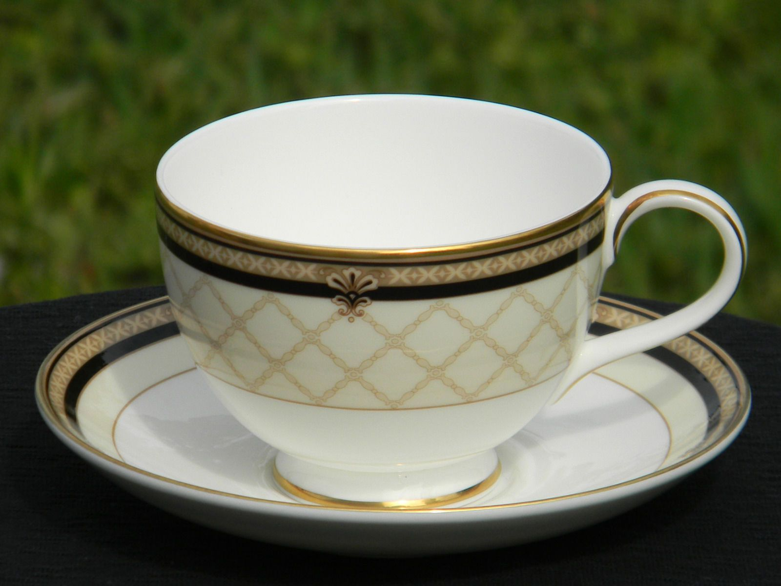 Modern Royal Doulton Teacup and Saucer. Beautiful Cup with a Cream Black and Gold design Crisp White interior. Backst& Reads Royal Doulton BARONESS H ... & Royal Doulton Modern Tea Cup BARONESS Teacup and Saucer J- \u2013 The ...